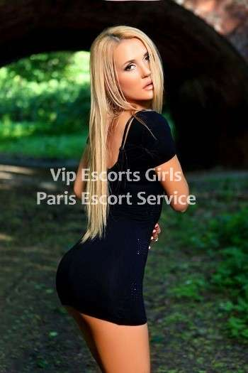 Laura is new escort in paris